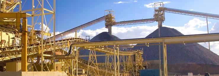 Foto planta de grande porte para mineração de ferro